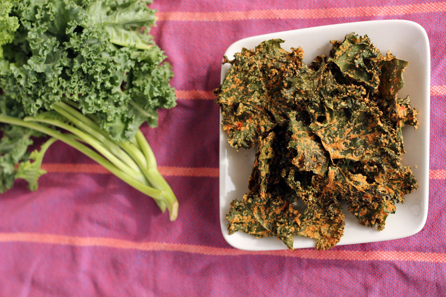 Cheesy Yet Vegan Kale Chips | City Cookin'